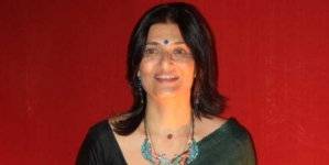 Sarika pairs up with Amitabh Bachchan