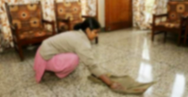 Maid from Jharkhand thrown off the 8th floor dies in Noida